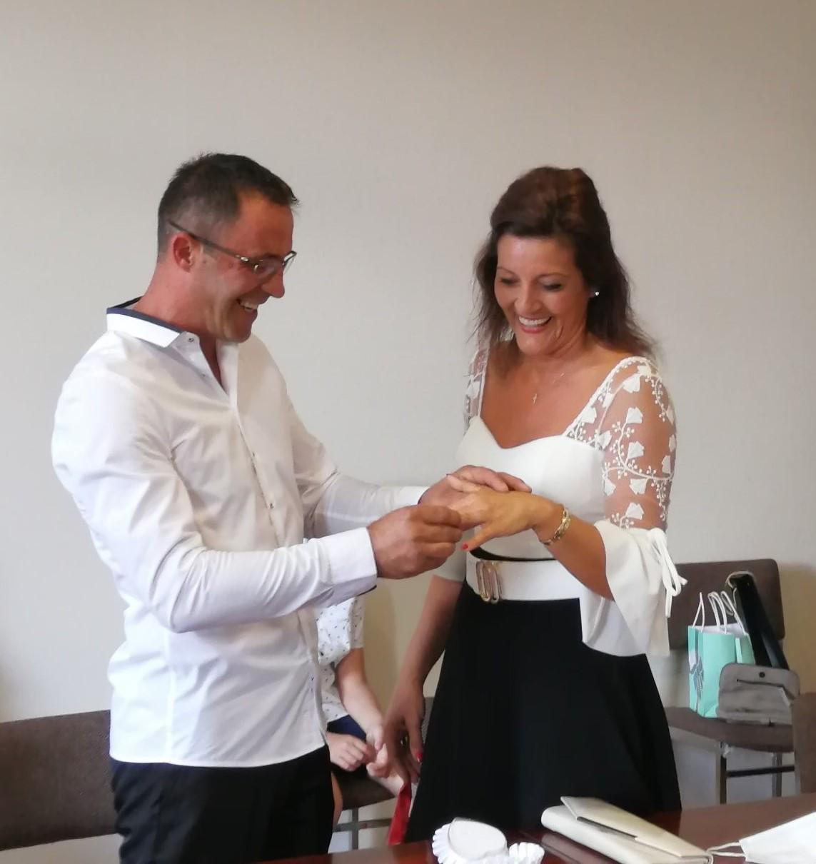 25 juillet: mariage de Mme Gazmende Hyseni et M. Fehmi Dupaa